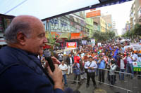 Hernando de Soto addressing the different groups gathered at Gamarra