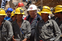 Hernando de Soto with miners in Nazca
